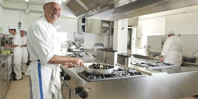 Cottura cibo cucina professionale