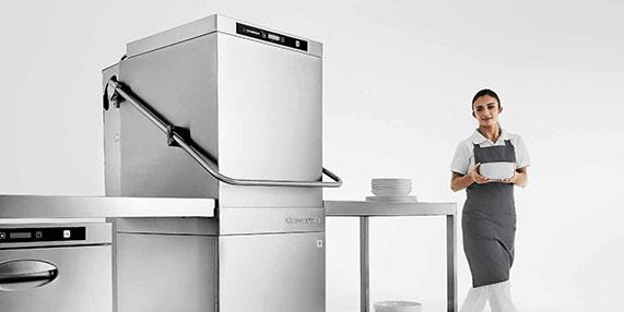 Lavaggio stoviglie e pentole professionale