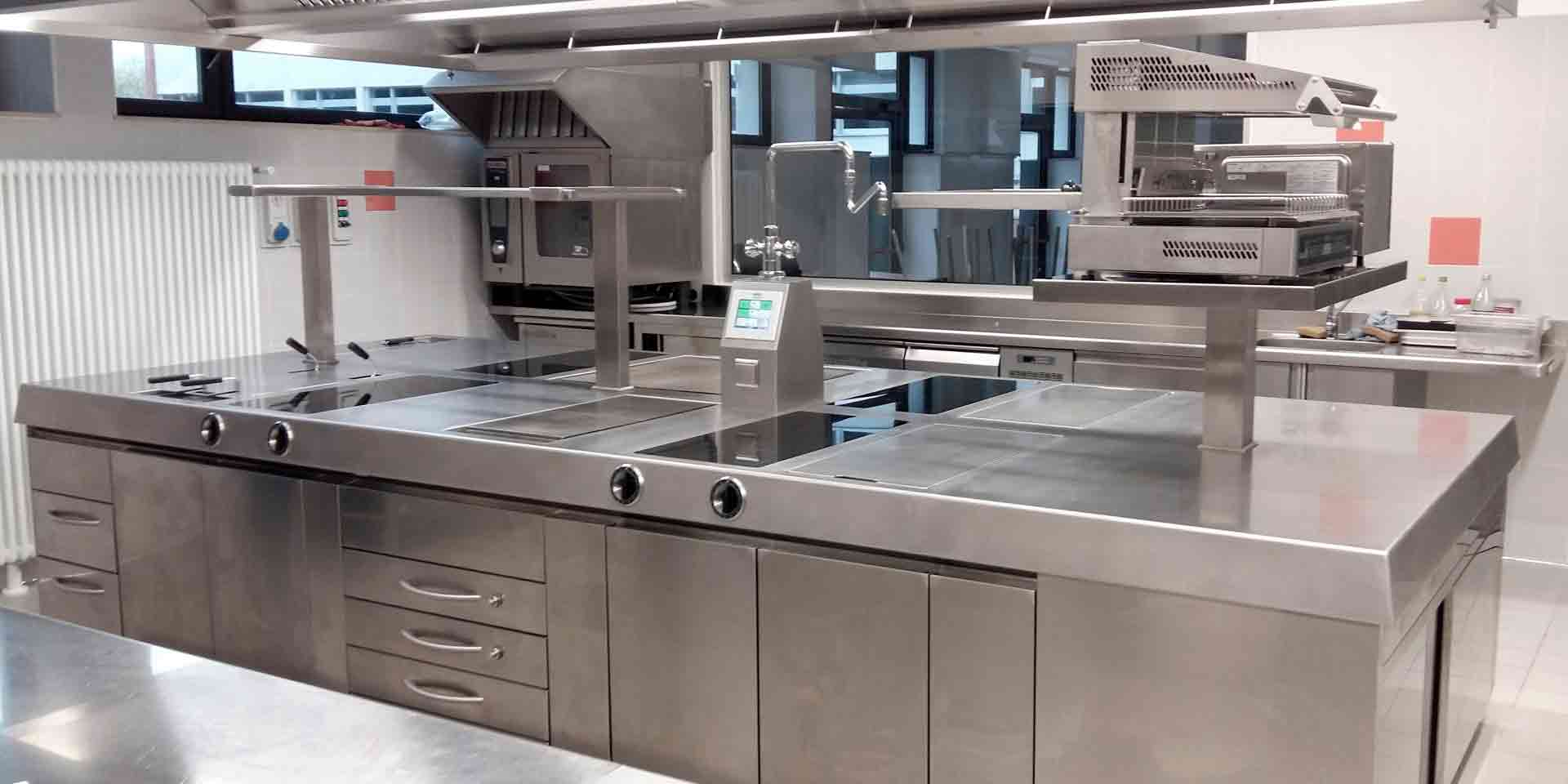 Cucina monoblocco elettrica professionale